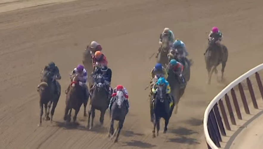 The field turns for home in the 2016 Woody Stephens on the Belmont Stakes undercard.