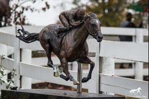 Cigar-Statue-Kentucky-Horse-Park